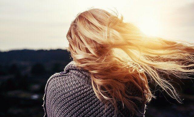 rozjaśnij włosy w domu
